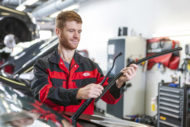 Autoperiskop.cz  – Výjimečný pohled na auta - KIA v rámci digitalizace své dealerské sítě zavedla online výuku prodejců a mechaniků