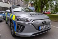 Autoperiskop.cz  – Výjimečný pohled na auta - 38 vozů Hyundai Ioniq Electric v barvách Policie ČR míří do služby