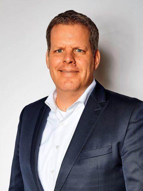 Autoperiskop.cz  – Výjimečný pohled na auta - Prof. Dr. Carsten Intra vystřídá Dr. Thomase Sedrana na pozici předsedy představenstva značky Volkswagen Užitkové vozy