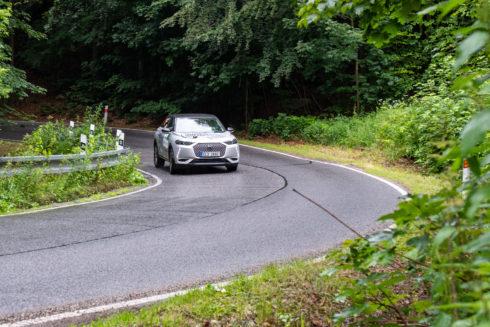 Autoperiskop.cz  – Výjimečný pohled na auta - Značka DS na ECO energy Rally Bohemia 2020 s vozem  DS 3 CROSSBACK E-TENSE nabrala cenné zkušenosti