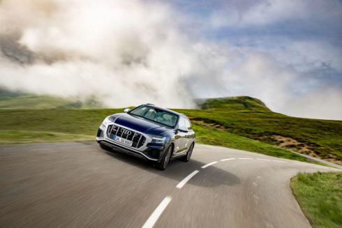 Autoperiskop.cz  – Výjimečný pohled na auta - Komfortní i hbité – SUV Audi jsou mistry rychlých převleků díky technologii eAWS