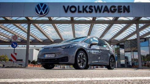 Autoperiskop.cz  – Výjimečný pohled na auta - Rekordní dojezd: ID.3 dojel z Cvikova do Švýcarska na jedno nabití