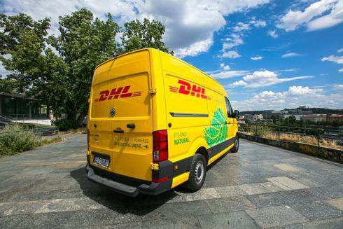 Autoperiskop.cz  – Výjimečný pohled na auta - Volkswagen e-Crafter pomáhá DHL Express snižovat emise v logistice