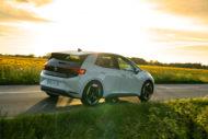 Autoperiskop.cz  – Výjimečný pohled na auta - Revoluční Volkswagen ID.3 elektrizuje český trh