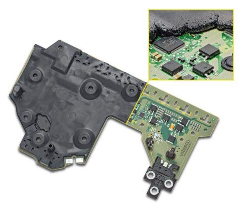 Společnost Vitesco Technologies uvádí na trh první systém řízení převodovky na světě, vyrobený s využitím komplexní technologie vstřikování plastů