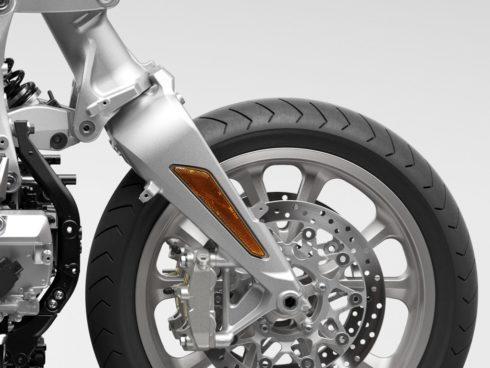 """Společnost Honda završuje komplexní obměnu své modelové řady pro rok 2021 modernizovanými verzemi modelů GL1800 Gold Wing a Gold Wing """"Tour"""""""