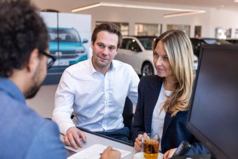 Klienti Volkswagen Financial Services si mohou nově sjednat autopojištění s UNIQA pojišťovnou