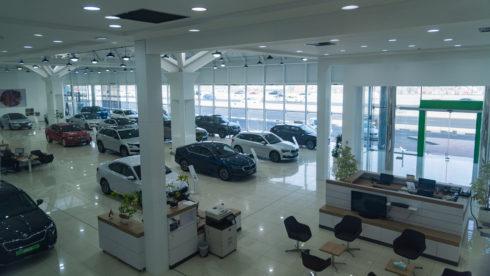 ŠKODA AUTO otevřela ve Spojených arabských emirátech svůj největší showroom na světě