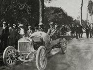 Autoperiskop.cz  – Výjimečný pohled na auta - Laurin & Klement FC (1908): První velká vítězství na čtyřech kolech