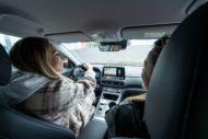 Autoperiskop.cz  – Výjimečný pohled na auta - Bára Votíková řídí nošovický Hyundai Kona