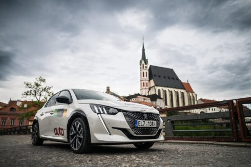 Všechny tři posádky s elektromobily značky Peugeot úspěšně v cíli Czech New Energies Rallye 2021