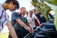 Autoperiskop.cz  – Výjimečný pohled na auta - Kia darovala středním průmyslovým školám v Plzni a Čáslavi vozy ke studijním účelům