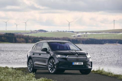 ŠKODA AUTO dodává svým zákazníkům model ENYAQ iV s uhlíkově neutrální bilancí