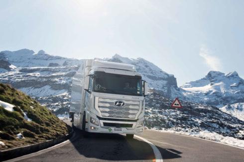 Flotila nákladních vozidel Hyundai XCIENT Fuel Cell s palivovými články překročila hranici jednoho milionu ujetých kilometrů