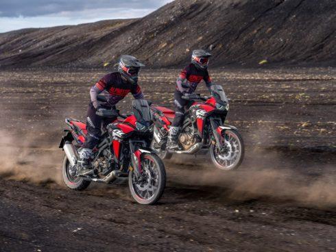 Ikonické modely Honda Africa Twin a Africa Twin Adventure Sport získaly pro rok 2022 nový vzhled a další vylepšení.