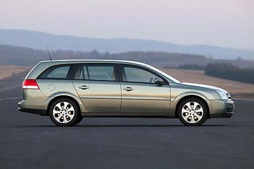 Nový Opel Vectra Caravan se na automobilovém trhu objeví již vříjnu 2003