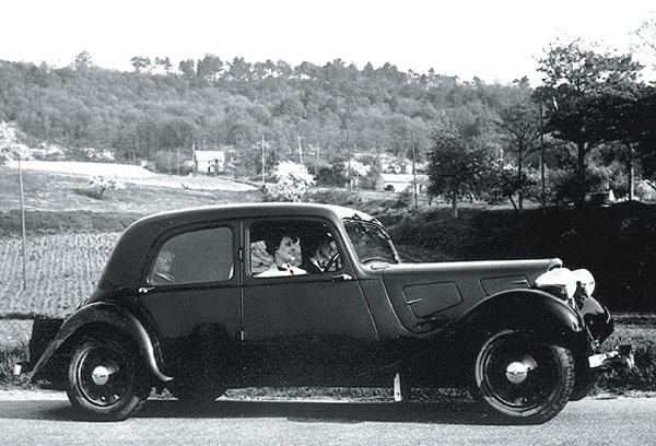 Před 70ti lety – vroce 1934 představen model Citroën Traction Avant