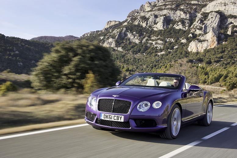 Nový kabriolet Bentley zazářil na mezinárodním autosalonu v Ženevě a míří na český trh