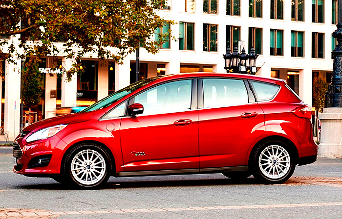 Od roku 2014 bude Ford nabízet v Evropě tři různé elektrifikované modely