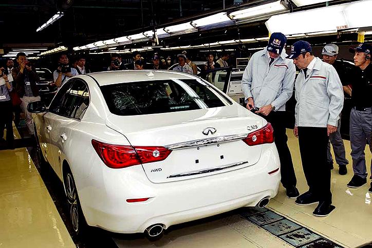 První sériově vyrobený vůz Infiniti Q50, zcela nový sportovní sedan, sjel 14.května z montážní linky výrobního závodu v Tochigi