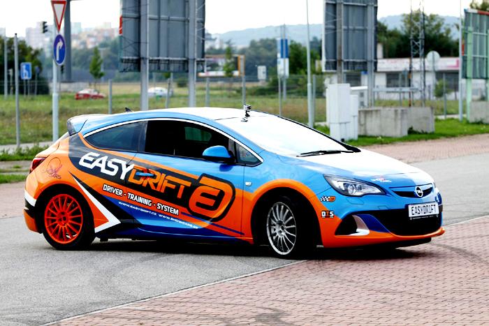 Druhý ročník netradiční motoristické výstavy International Prague Car Festival úspěšně proběhl