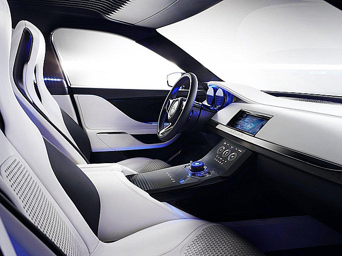 Značka Jaguar představila designovou studii sportovního crossoveru Jaguar C-X17 na modulární hliníkové platformě