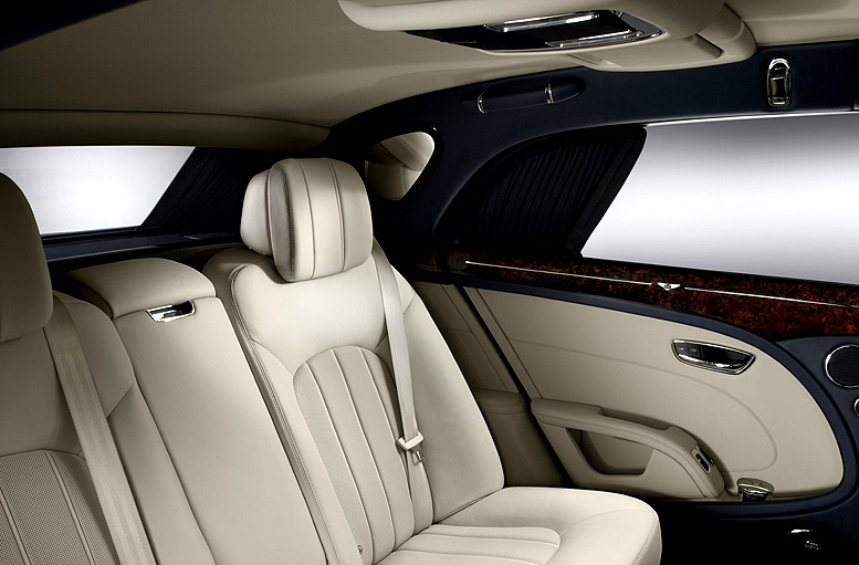 Bentley Mulsanne – vylepšená výbava pro cestování ve velkém stylu (velmi podrobná informace)