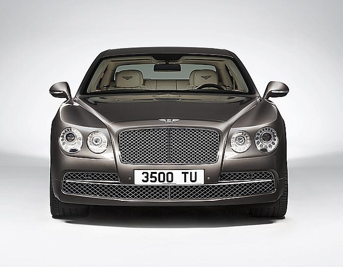 Nový Bentley Flying Spur: nejrychlejší luxusní limuzína představená 5. března vŽenevě již vprodeji na našem trhu