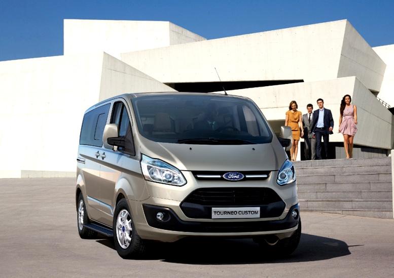 Nový Ford Tourneo Custom: vůz pro podnikání i rodinu - pro komerční přepravu osob, aktivní životní styl i osobní potřebu