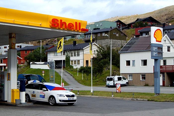 Pouhé dvě nádrže paliva Shell stačily na cestu z Prahy až na Severní polární kruh