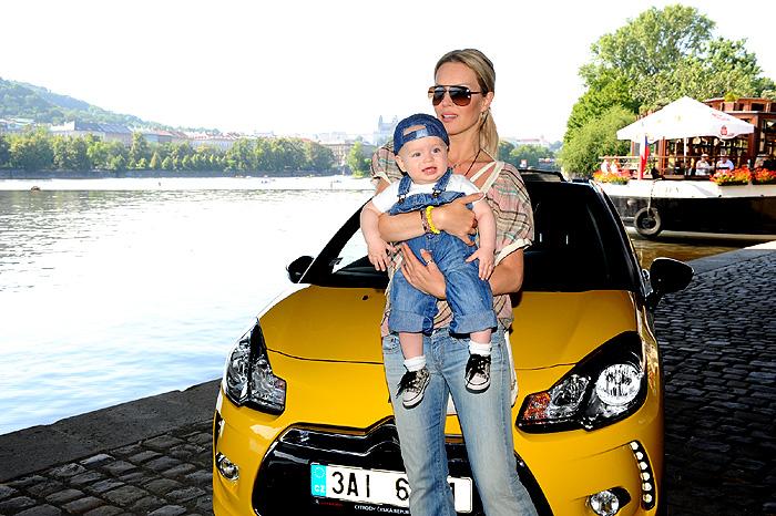 Topmodelka Simona Krainová je novou spokojenou řidičkou modelu Citroën DS3 Cabrio!