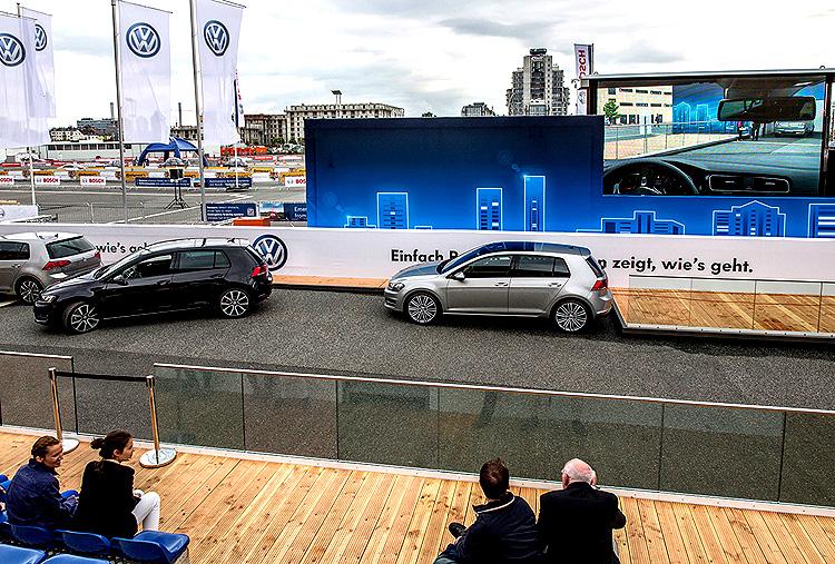Bezproblémové parkování? Tento sen mnohých řidičů se stále více blíží realitě.