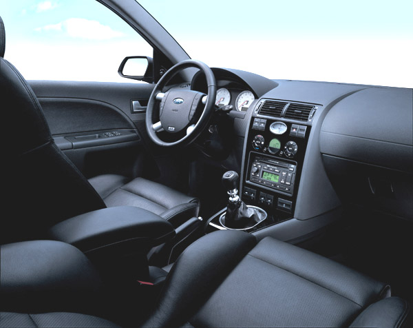 Nový Ford Mondeo ST220 snovým motorem o výkonu 166 kW vprodeji na našem trhu