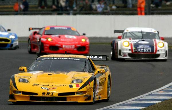 FIA GT: Silvestone pro Maserati MC12