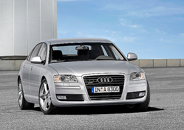 Nové sportovní, luxusní a výkonné Audi A8
