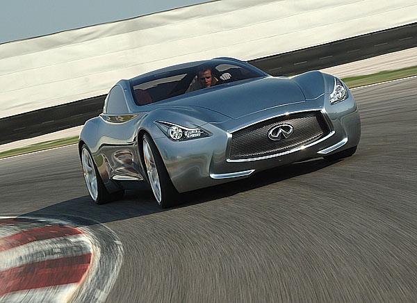 """Infiniti - luxusní automobilová značka zJaponska – na festivalu """"the 2009 Goodwood Festival of Speed"""" vAnglii (od 3. července)"""