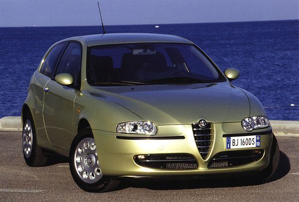 Alfa Romeo 147 = Auto roku 2001