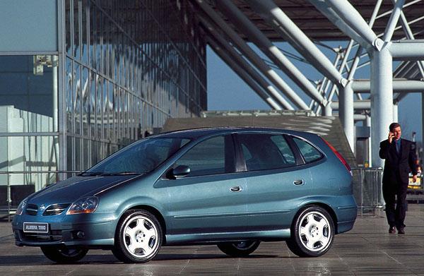 Deset let Nissanu vČR
