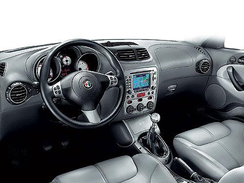 Alfa GT se již podruhé za sebou stala nejprodávanějším kupé roku 2006 na českém trhu.