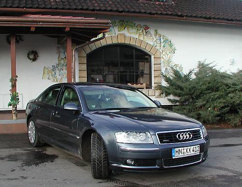 Prestižní limuzína Audi A8 představena novinářům
