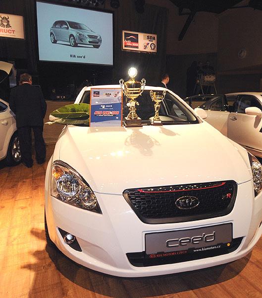 Kia cee´d získal titul Auto roku 2008 vČR