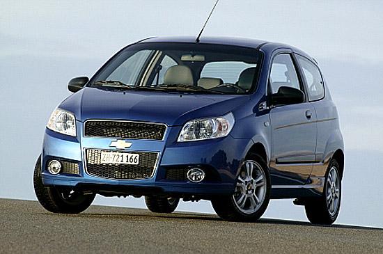 Nový pětidveřový Chevrolet Aveo i jeho třídveřová verze na našem trhu