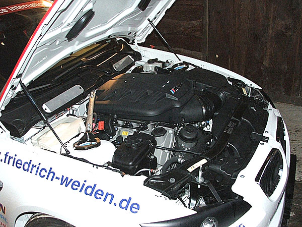 Máme dvacet vozů BMW 130i, hlásí RSI