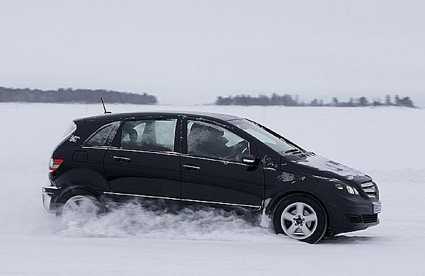 Třída B poháněná palivovými články se osvědčila při zimních testech ve Švédsku