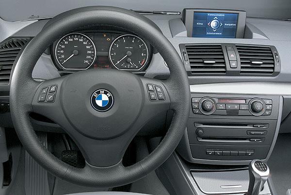 Velké překvapení - BMW řady 1 - světová premiéra vzáří na autosalonu v Paříži