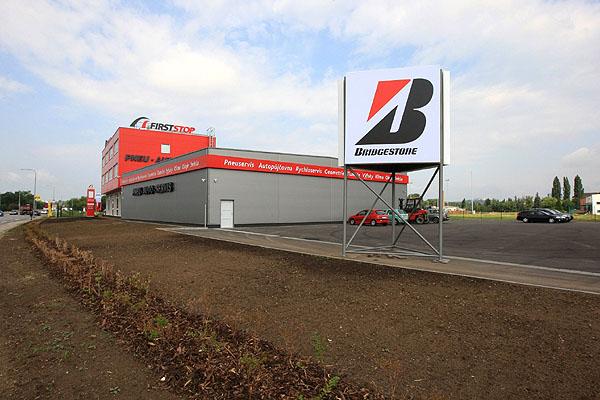 VBrně se otevírá největší pneu-auto servis FIRST STOP v ČR