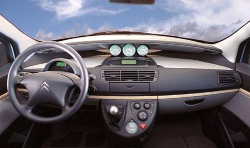 Nový velkoprostorový vůz Citroën C8 – prodej ve Francii zahájen