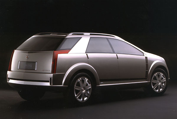 Cadillac Vizón stechnickými lahůdkami