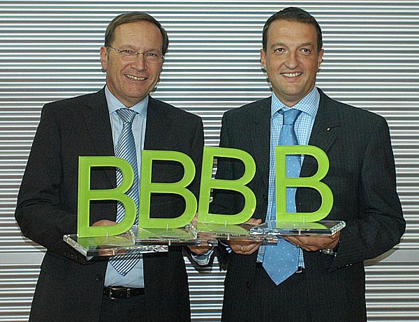 """Vyznamenání za nejlepší autobus roku """"Bester Bus 2007"""" pro Daimler Buses"""