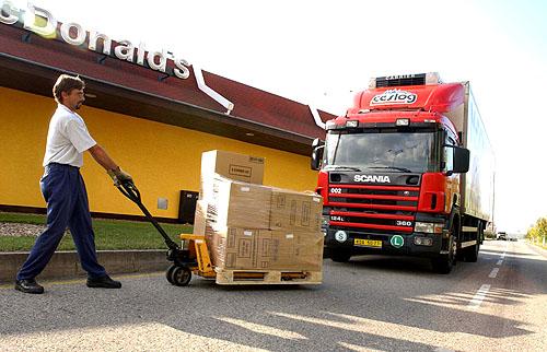 Vozy Scania používá firma Česlog pro zajištění kompletního logistického servisu